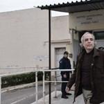 A görögök megint kiengedték a szélsőbalos terroristavezért, kitört a botrány