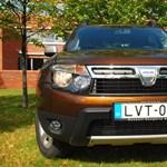 Év tesztautója 2011 döntő: vezet a Dacia