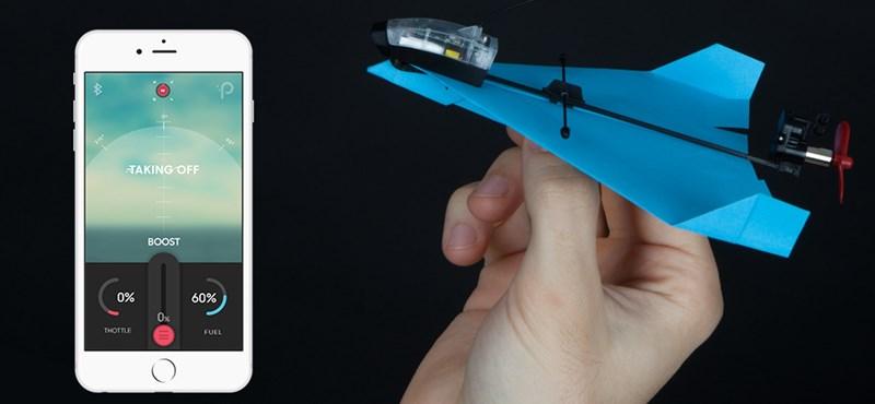 Nem tudja, mit vegyen karácsonyra? 10 ezer forintért olyan papírrepülőt kap, ami mobillal irányítható