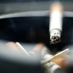 Mostantól büntetnek az osztrákok: tilos a dohányzás, ha gyerek is ül a kocsiban