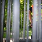Álrendőröket, álorvosokat és motoros tolvajokat kapcsoltak le Budapesten