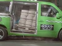 Megmutatták egy építési anyaggal telepakolt furgon töréstesztjét, ami igen elgondolkodtató