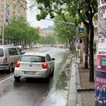 Visszahekkelték a HVG-t több budapesti hirdetőoszlopra