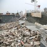 Kéménysort döntött le a friss betonozás Budapesten