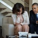 Obamáék kihangosították Mandela nejét - fotó