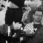 Gyűlöli a szülinapi buliját Lovasi – itt az új Kiscsillag-klip!