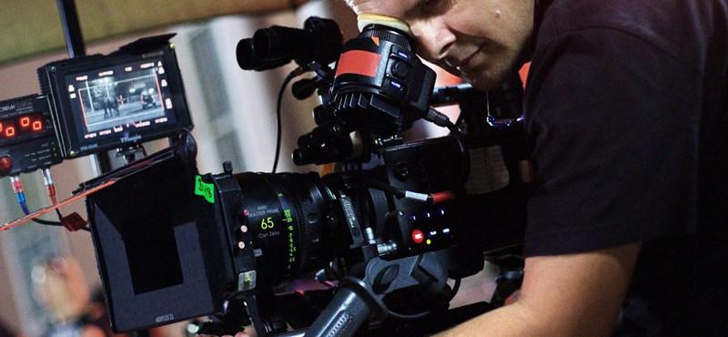 Milliókat vehet ki a kormány a színészek zsebéből