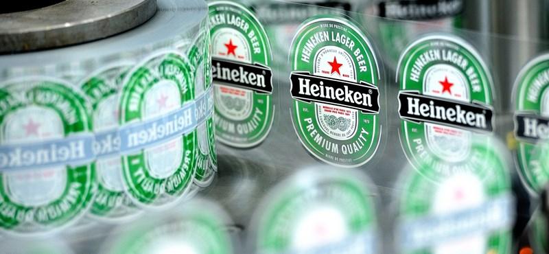 Lázár nem tudja, miért került vörös csillag a Heinekenre