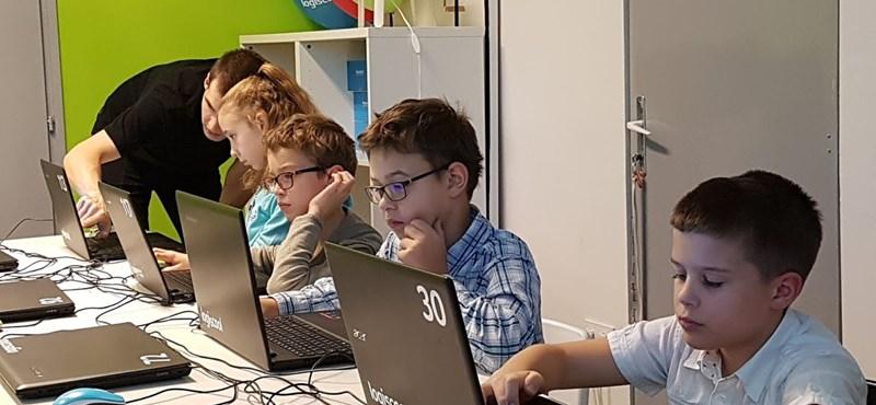 Készült egy felmérés a magyar gyerekek internetezéséről, néhány százalékos adat önt is meglepheti