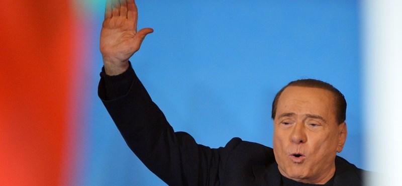 Berlusconi magatehetetlen idősek ápolásával bűnhődne