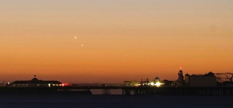 Gyönyörű fotók és videók jöttek a hétfő hajnali különleges égi jelenségről