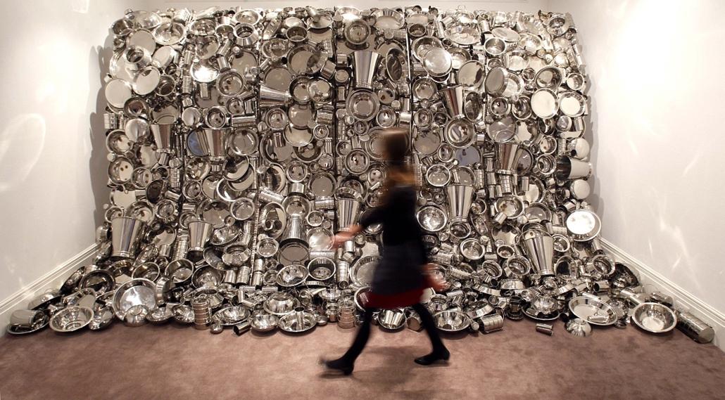 Subodh Gupta ''Hungary God'' című kiállítása Londonban
