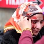 Fotók: Véres tüntetésbe torkollt Erdoganék újságostroma