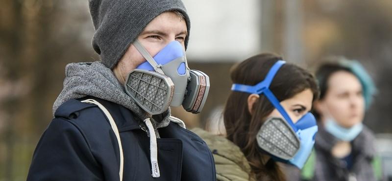 Ismét több mint ezer új fertőzöttet regisztráltak Ukrajnában