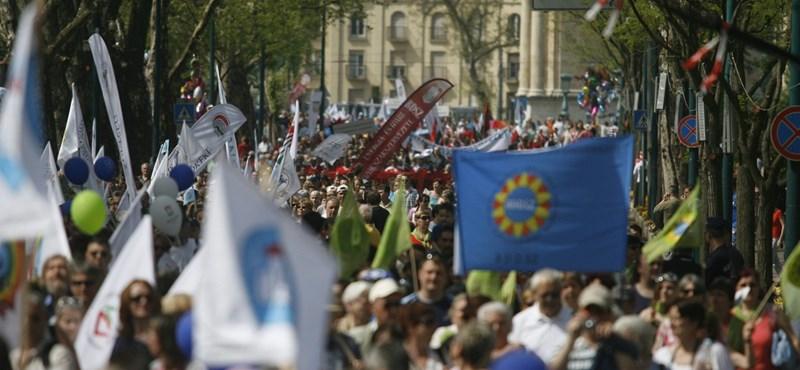 Egységbe tömörül három nagy szakszervezet