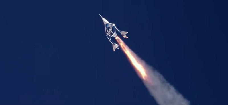 Sikerült a teszt: a hangsebességnél is gyorsabban repült a Virgin Galactic gépe, ami civileket vinne az űrbe