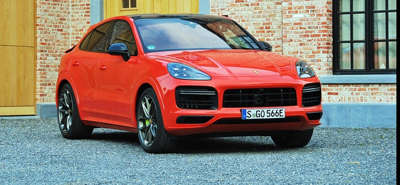 "We drove the 680 horsepower Porsche SUV, which also has a green license plate ""width ="" 800 ""height ="" 370"