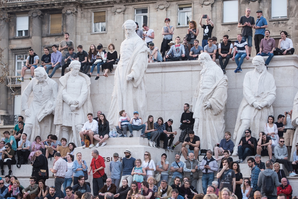 fm.18.04.14. - Mi vagyunk a többség ellenzéki tüntetés Oktogon Kossuth tér