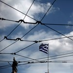 Lehet, hogy hétfőn ki sem tudnak nyitni a görög bankok