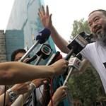 A Twitter-sztár, aki Kína urainak is csúnyán be mer mutatni