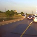 Az ilyen, pillanatnyi autós ámokfutásokból lehetnek a súlyos balesetek - videó