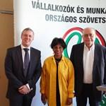 Amerikai szakértő a TTIP előnyeiről próbálta meggyőzni a magyar cégeket