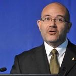 2013 tavaszáig biztosan marad a közoktatási helyettes államtitkár