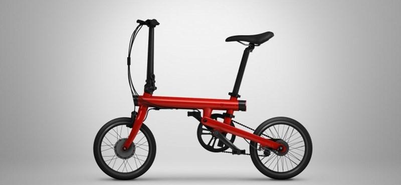 Itt az elektromos kerékpár, amit össze is hajtogathat