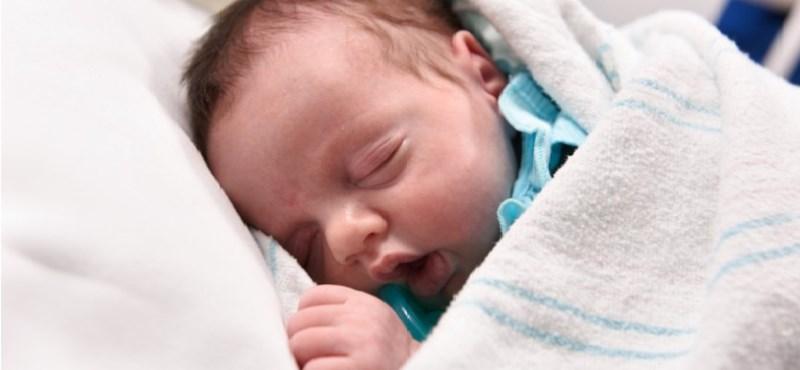 Hirdetésben árulta öt hónapos gyerekét egy amerikai pár