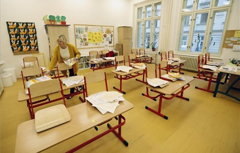 Iskolabezárásoktól az érettségi vizsgákig: a hét oktatási hírei egy helyen