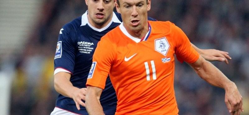 Robben a hollandok második vébé-meccsét is kihagyja