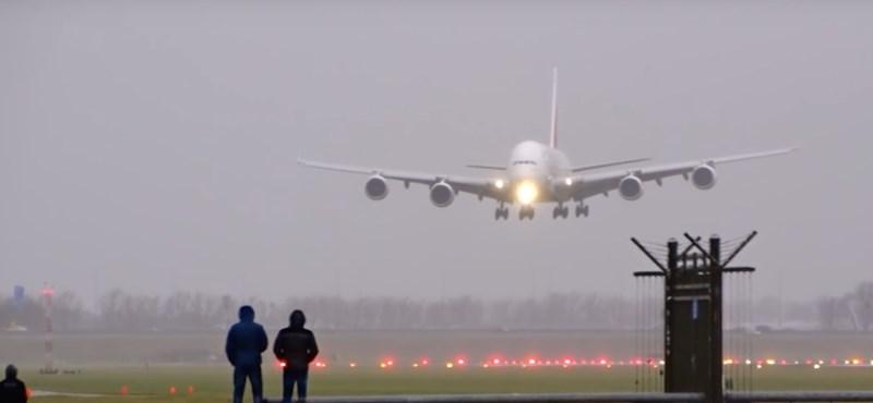 Videó: olyan nagy szél volt vasárnap, hogy alig tudtak leszállni a repülők az amszterdami repülőtéren