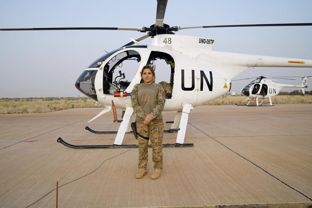 afp.18.02. - AFP nőnap - Sandra Hernandez 35 éves timbuktui helikoper pilóta a Minsuma bázison