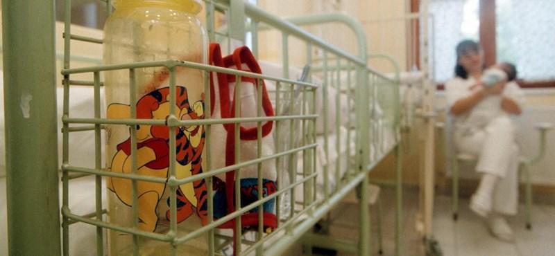 Alkalmatlannak nevezi a Heim Pál kórház az adományágyakat, miközben egy másik telephelyén maga is használja őket