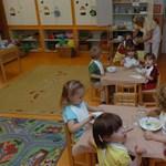 Havi 40 ezer forintig igényelhetnének a szülők bölcsődei támogatást