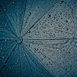 Autókat nyelt el az esővíz Szolnokon – fotó, videó