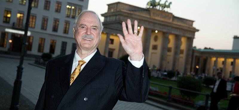 John Cleese Budapesten lép fel