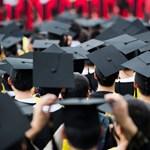 Ott szerzett diplomát, ahol újszülöttként rátaláltak