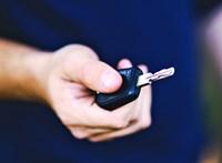 Komolyan visszaesett az újautó-piac, de a használt autók továbbra is ömlenek az országba