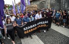 Jan-Werner Müller: Az autokraták a közösségi oldalakon is fenyegetik a sajtószabadságot
