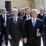 Meddig tartja remegésben Orbán Viktor az osztrák jobboldalt?