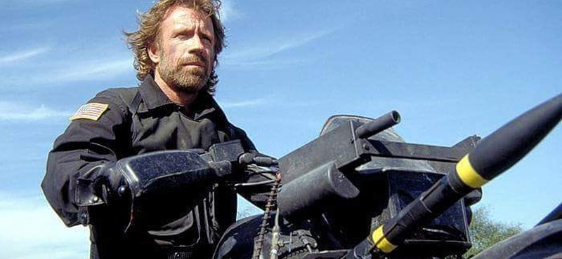 Különleges biztonsági intézkedésekkel várják Chuck Norrist Budapesten