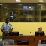 Tanú mesélt a faluja kiirtásáról Mladic perének első napján