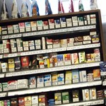 A dohánylobbi győzött, maradnak a márkázott dobozok