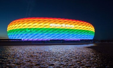 A müncheni városi tanács minden frakciója azt kéri, legyen szivárványszínű a stadion a német-magyar meccs alatt