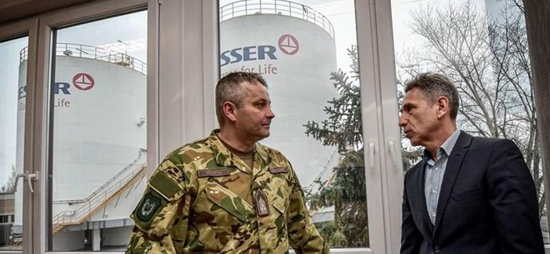 Értékelniük kell a magyar cégeknek a hozzájuk kirendelt katonákat