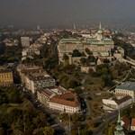 Budapest közepén próbálta meg átúszni a Dunát egy férfi, a rendőrök mentették ki