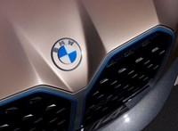 A BMW főnöke szerint múlóban a Tesla víg napjai