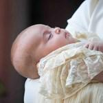 Itt vannak a hivatalos fotók Lajos herceg keresztelőjéről