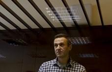 Rabkórházba szállítják át Navalnijt